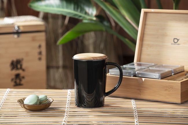Tea Mug 400ml black + filter + bamboo lid