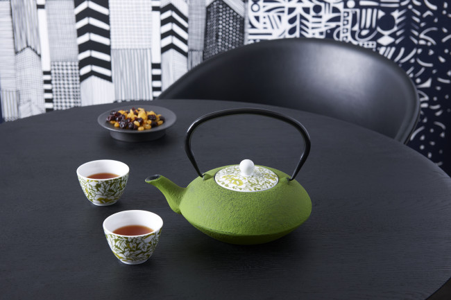 Yantai teapot 1.2L, green, with porcelain lid